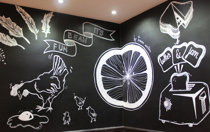 Proyecto-restaurante-Holiday-Village-mural-5